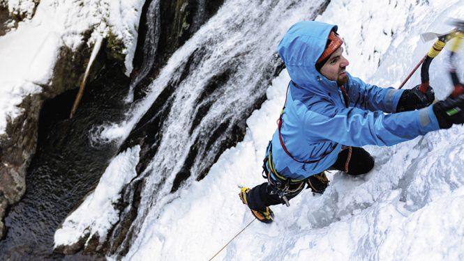 Par nature, la neige glacée est matière à réflexion: savoir bien vivre ces moments fugaces de grimpe marquante © iStockphoto /AlexSava