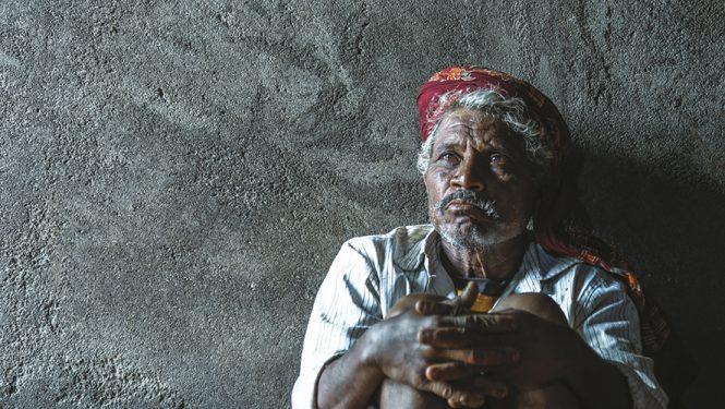 Haribhau Kumbhekar n'est plus le même... Comme des milliers d'agriculteurs, cet indien de l'État du Maharashtra a été intoxiqué par les pesticides © Atul Loke / Panos Pictures
