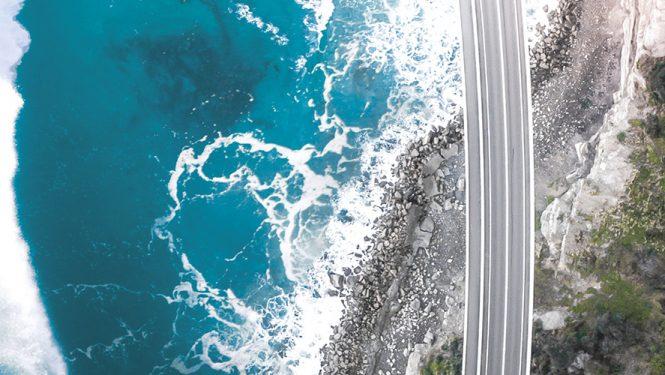 East Pacific Drive. Quand les routes de la côte est sont suspendues entre terre et mer © Simon Clayton