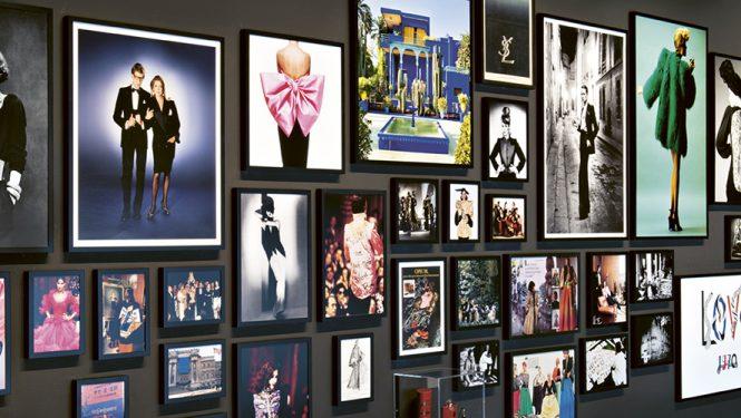 Biographie en images, salle Yves Saint Laurent, musée de Marrakech. © Fondation Jardin Majorelle / Nicolas Mathéus