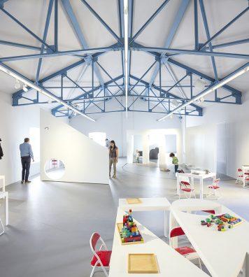 L'Accademia dei Bambini. Dédiés aux enfants et aux activités pluridisciplinaires, cet espace et ce projet ont été élaborés en collaboration avec Giannetta Ottilia Latis, pédopsychiatre.