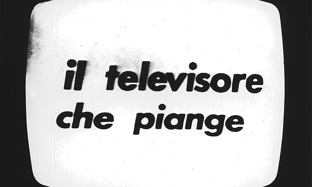 Il televisore che piange, 1972, de Fabio Mauri (de gauche à droite).