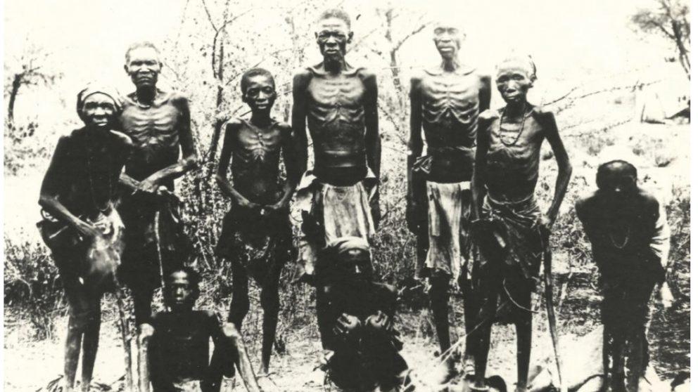 Héréros décharnés retrouvés dans le désert dans les années 1940.