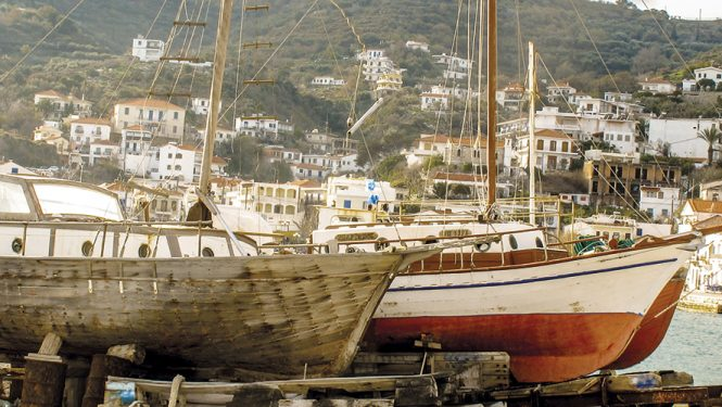 Le port d'Evdilos sur Ikaria. Une île de l'archipel des Sporades épargnée par le tourisme de masse.