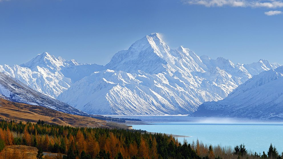 Aoraki / Mont Cook. Deux noms pour la plus haute montagne de Nouvelle-Zélande. Un prénom maori et un hommage à James Cook, qui fut le premier Européen à explorer les côtes.
