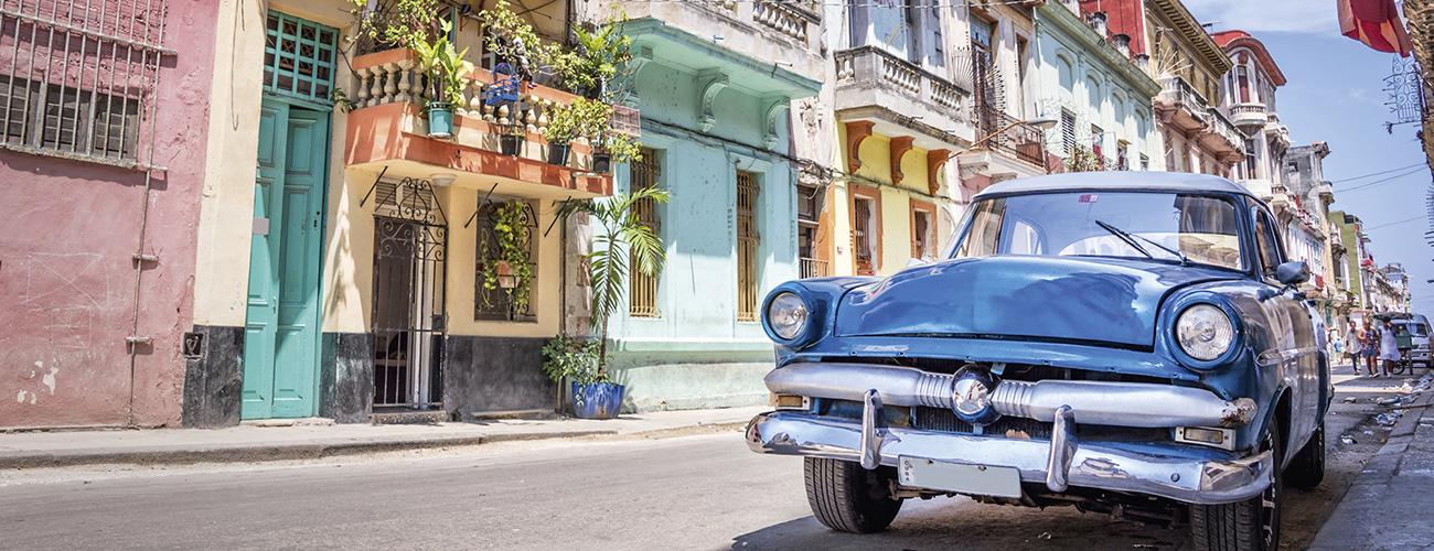 À La Havane, rien de nouveau. Le décor est toujours exactement celui dans lequel Hemingway a vécu de flamboyantes histoires d'amour, des ivresses impensables, porté par le douloureux bonheur d'écrire.
