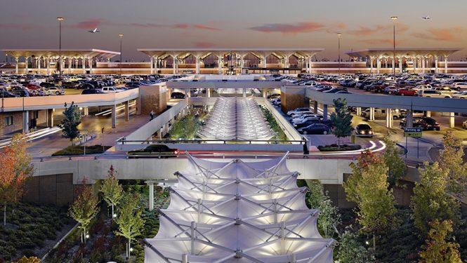 L'ère des « aérotropolis » a commencé à Memphis, Tennessee. Mais c'est en Asie et au Moyen-Orient que ce mouvement produit ses effets les plus spectaculaires. La Chine disposera d'ici à quelques années de 90 « aérotropolis » géantes.
