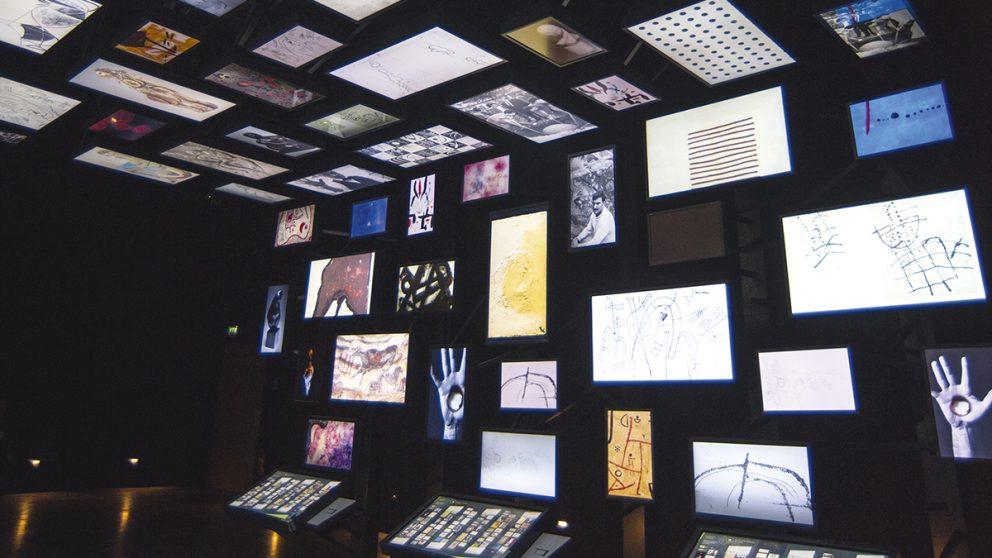 Aller plus loin. La Galerie de l'imaginaire propose d'explorer les liens entre les différentes œuvres artistiques depuis l'art pariétal jusqu'à l'art contemporain.
