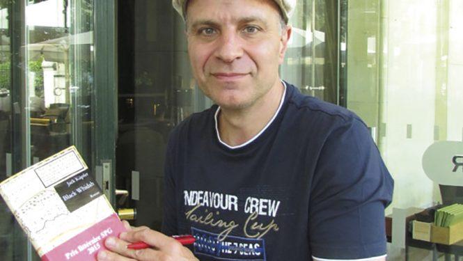 Le lauréat du Prix littéraire SPG 2015. Jack Küpfer a été récompensé pour son premier roman