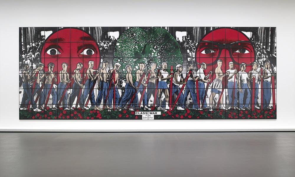 Œuvres contemporaines. L'œuvre de Gilbert & George, Class War (1986), est emblématique de l'art provocateur, à thématique sociale, du couple d'artistes (Accrochage 3).