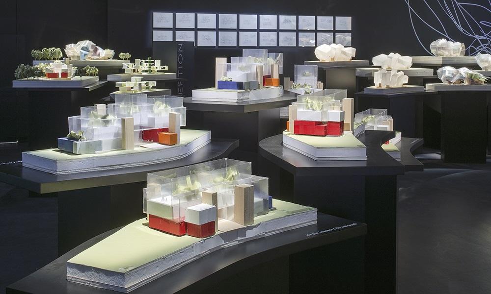 Maquette de Frank Gehry. Présentation de la Fondation.
