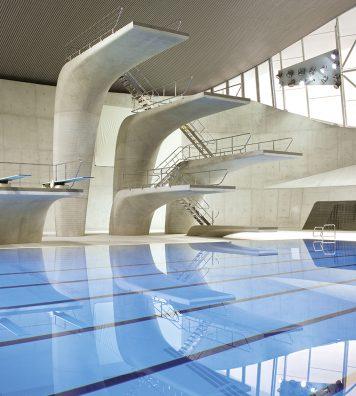 London Aquatics Centre, Angleterre, 2011/2014. L'intérieur des piscines Olympiques conçues par Zaha Hadid pour les Jeux olympiques en 2012.