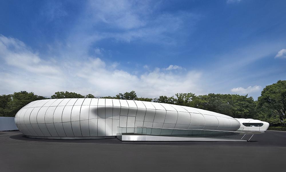 Mobile Art Contemporary Art Container, Tokyo, Japon, 2008. Ce pavillon a fini son existence sur le parvis de l'Institut du monde arabe à Paris en 2014.