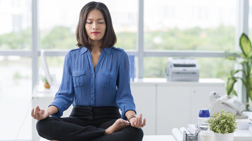 Mindfulness. Il suffit de cinq minutes, en silence et en respirant profondément, pour créer l'habitude et ressentir de réels bienfaits.