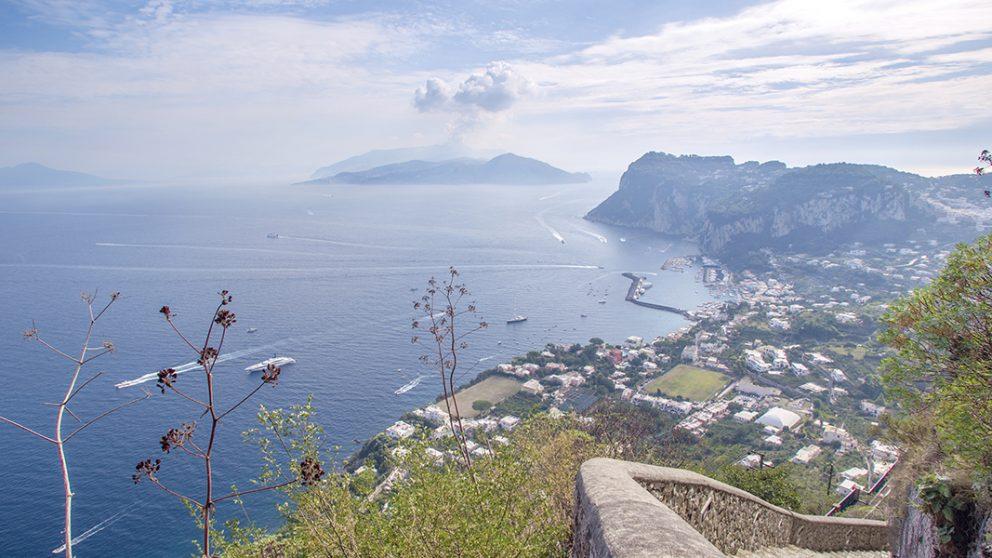 Dédale de près de 1 000 marches. L'escalier phénicien a longtemps été le seul moyen d'accès entre les hauteurs de l'île et le port de Capri.
