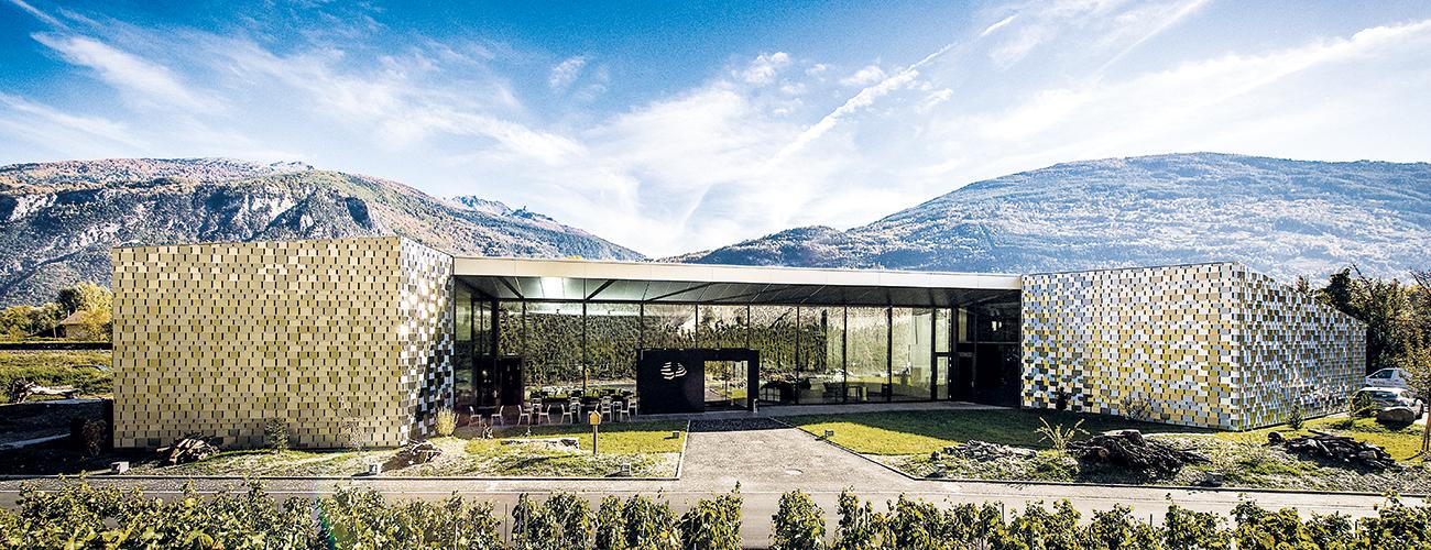 Les Celliers de Sion, un bâtiment avant-gardiste pour promouvoir les vins des maisons Varone et Bonvin.