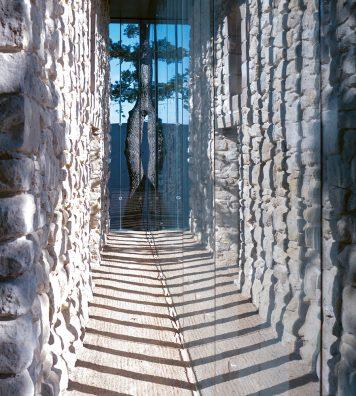 L'architecte japonais Tadao Ando a participé à la construction du nouveau domaine du Château La Coste, en Provence.