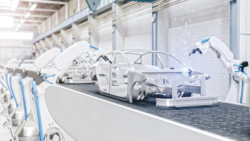 Sur certaines chaînes automobiles, 80% de la fabrication d'une voiture est assurée par des robots.