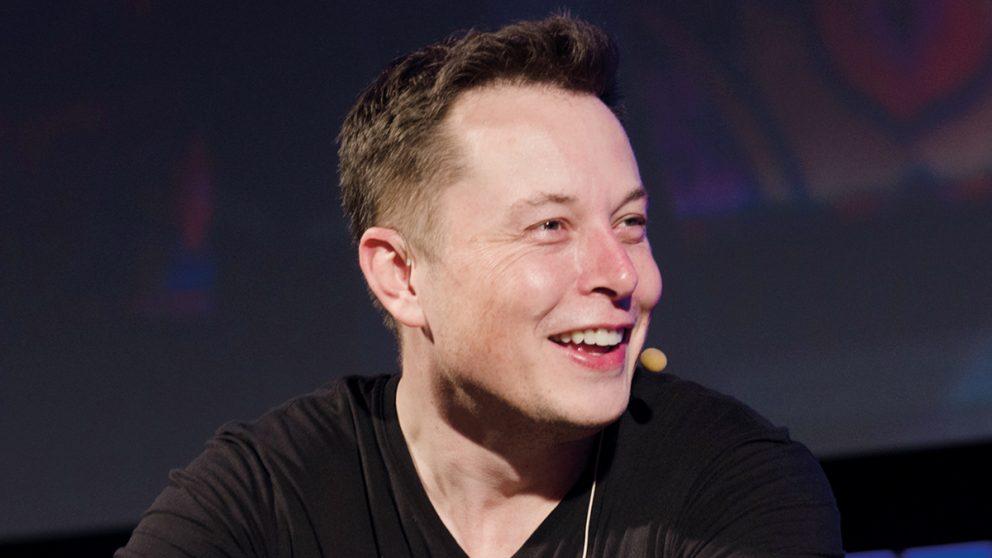 Pourtant devenu milliardaire grâce aux technologies numériques, Elon Musk assiste avec effroi à l'émergence d'une société dominée par les machines.