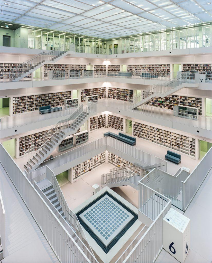 Les livres en images d'Ahmet Ertug. La « Stadtbibliothek » de Stuttgart.