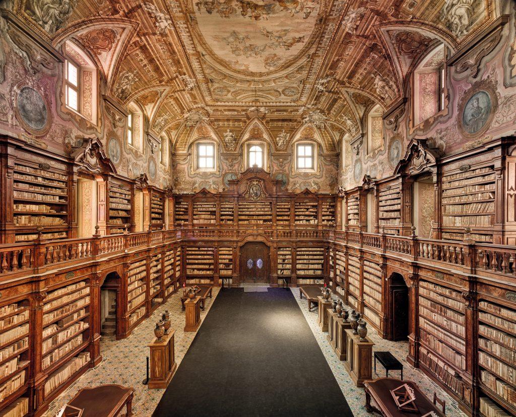 Les livres en images d'Ahmet Ertug. La « Biblioteca dei Girolamini » à Naples.